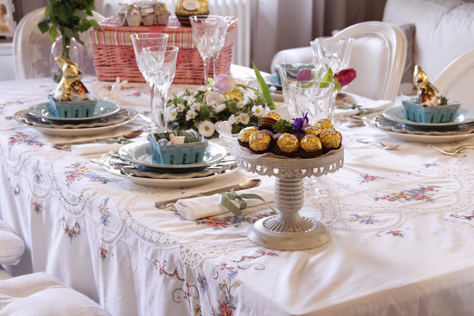 Come rendere elegante e sofisticata la tavola di pasqua teodora lombisani - Apparecchiare una tavola elegante ...